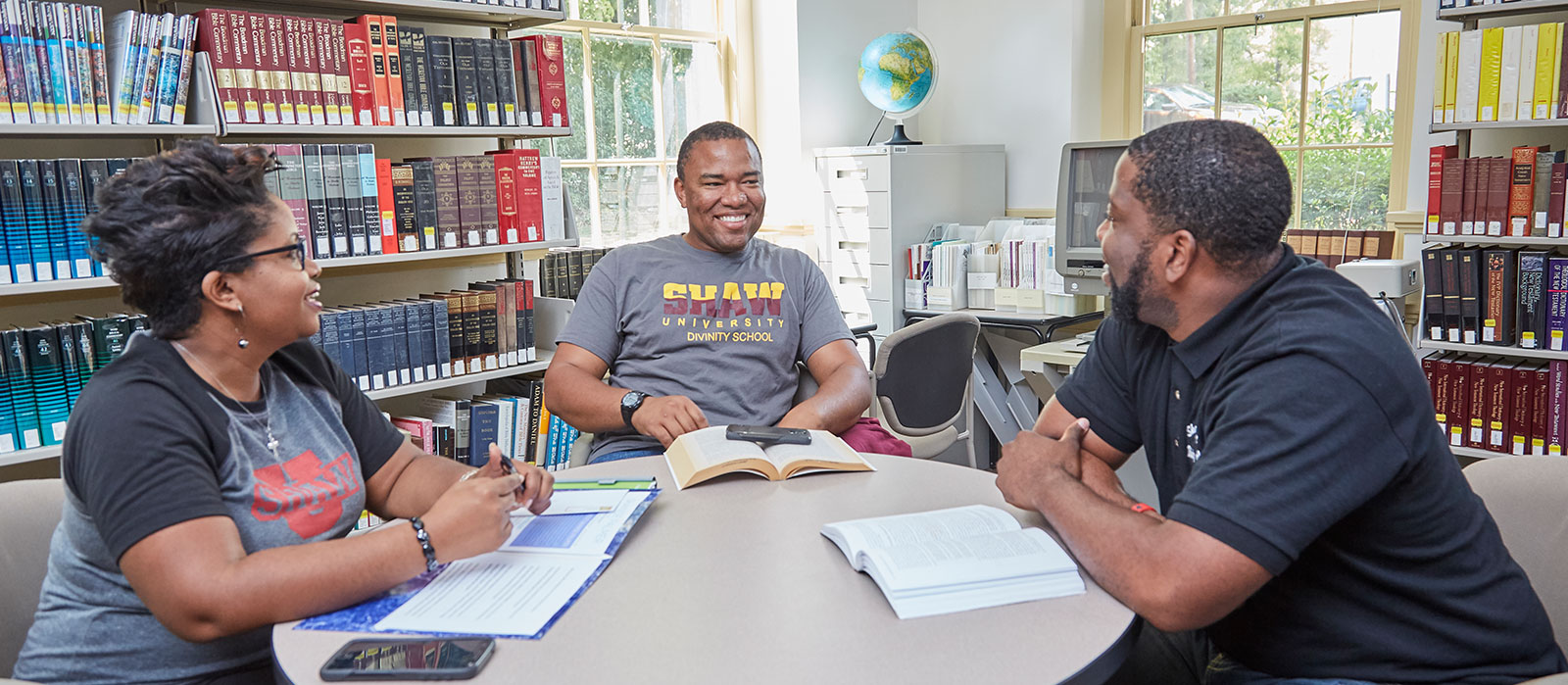 Feature - Divinity Students in Library